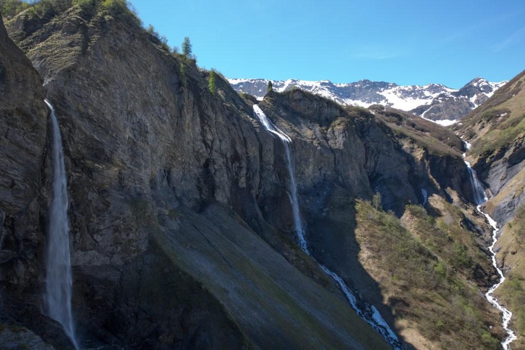 Die drei Wasserfälle bei Batöni